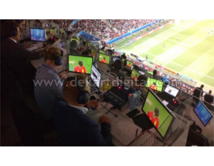 Die Anzeige der Schiedsrichter bei der EURO 2016